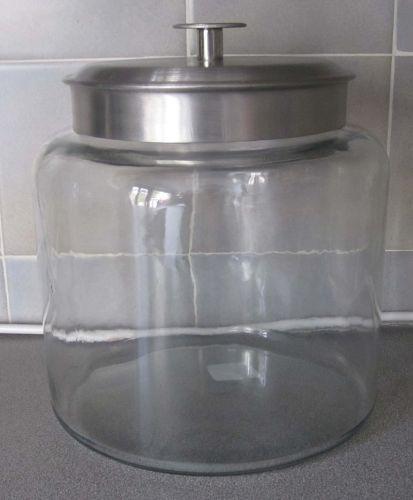 Very large storage jar x4